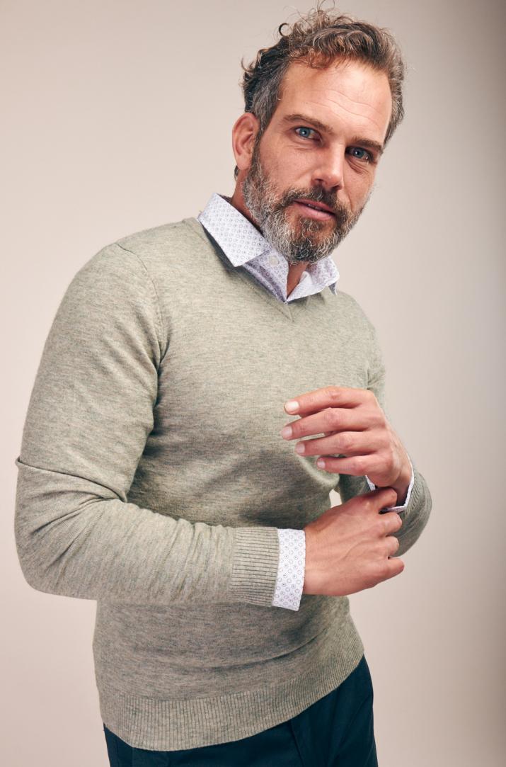 Sweater Dass con escote en V Slim fit