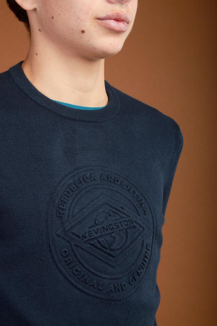 Sweater Tech con estampado en relieve