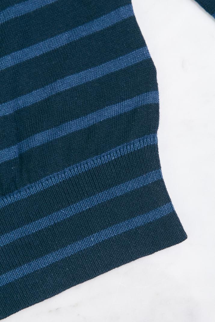 Sweater Stroke II