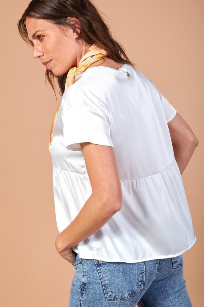 Blusa Buss manga corta con volado en cintura