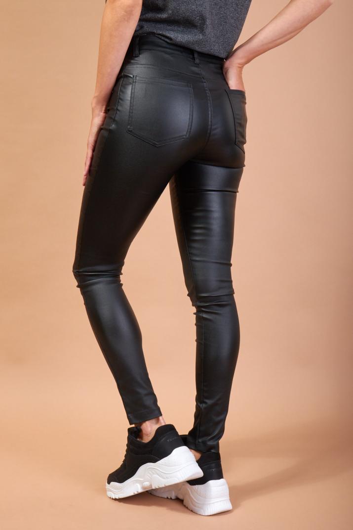 Pantalón Pancue de cuero sintético